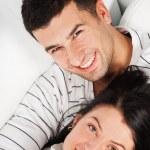 lächelnd paar — Stockfoto