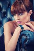 Beautyful young woman portrait. jewerly and diamonds — Stock Photo