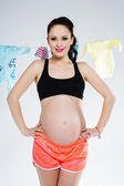 Sporty pregnant woman — Stock Photo