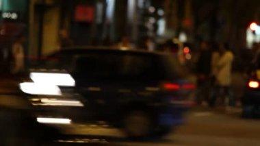 Traffico cittadino di notte — Video Stock