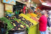 Market with fresh olives — Stock Photo