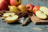 Fresh cutted apple fruits — Stock Photo