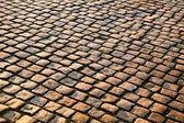 Revêtement de brique dans une ville — Photo