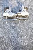 スケート氷スケート屋外冬 — ストック写真
