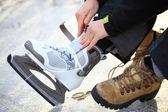 Koppelverkoop veters van ice hockey skates skating rink — Stockfoto