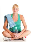 Bottiglia di acqua potabile blu bella ragazza isolato — Foto Stock