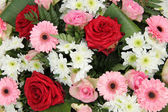 Wedding arrangement in pink and white — Stock Photo