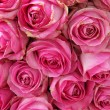 Big pink roses in a wedding centerpiece — Stok fotoğraf