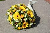 Yellow sympathy flowers — Stock Photo