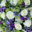 Wedding arrangement in white and blue — Stock Photo