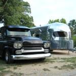 Classic car and caravan — Stock Photo #30921111
