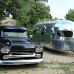 Classic car and caravan — Stock Photo #31154415