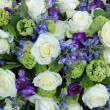 Wedding arrangement in white and blue — Stockfoto