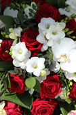 Red and white bridal arrangement — Stock Photo
