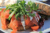 Smoked salmon sandwich — 图库照片