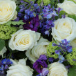 Wedding arrangement in white and blue — Lizenzfreies Foto