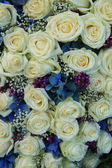 White and blue bridal arrangement — Stockfoto