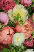 Peonies in a wedding arrangement — Стоковое фото