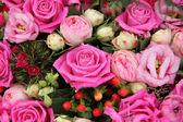 Pink flower arrangement for a wedding — Foto Stock