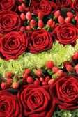 Red rose wedding arrangement — Stock Photo
