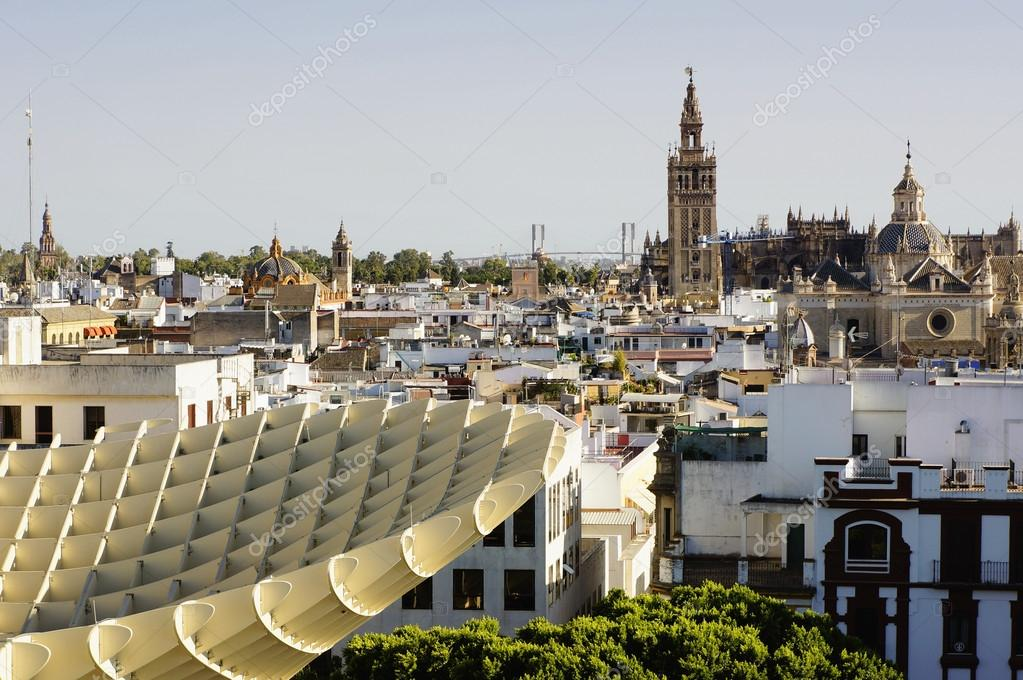 Cityscape of Seville from the roof of Metropolitan Parasol, Spain — Stock Photo #12329965