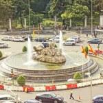 Traffic swirls in Plaza de la Cibeles, Madrid, Spain. — Stock Photo #12350357