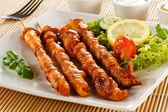 приготовленное на гриле мясо и овощи — Стоковое фото