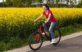Kız bisikleti — Stok fotoğraf