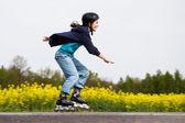 Girl rollerblading — Stock Photo