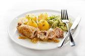 Côtelette de porc farci rôti et légumes — Photo