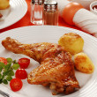Roasted chicken leg with vegetables — Stock Photo