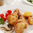 Roasted chicken legs with vegetables — Стоковое фото #32759039