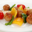 Roasted meatballs and vegetable salad — Stock Photo