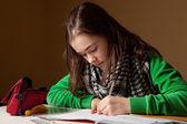 宿題をしている女の子 — ストック写真