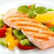 Grilled salmon and vegetables — Stock Photo #33359413