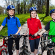 Active family biking — Foto de Stock