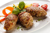 Roasted meatballs and vegetable salad — Foto de Stock