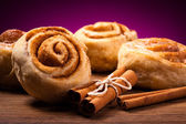 Sweet cinnamon rolls — Stock Photo