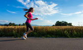 Girl running — Stock Photo