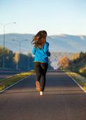 Женщина, бегущая — Стоковое фото