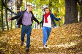 Esecuzione di giovane coppia — Foto Stock