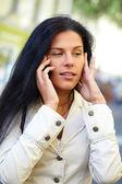 Cep telefonu olan kadın — Stok fotoğraf