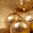 Gold christmas balls — Stockfoto