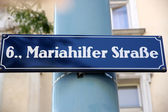 Značení na mariahilferstrase ve vídni, rakousko — Stock fotografie