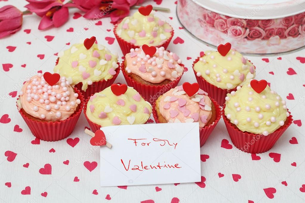 Valentine cupcake   Foto Stock #16227349