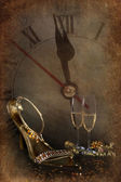 Vintage background with champagne glasses and clock — Стоковое фото