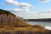 весна, река тома сразу после дрейфа льда — Стоковое фото