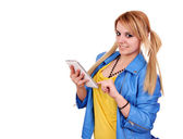 Happy girl with tablet pc posing — Stock Photo