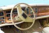 Oldtimer car dashboard and steering wheel vintage — Stock Photo