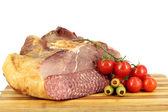 Produits alimentaires de jambon, tomates et olives — Photo